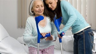 Перелом плечевого сустава у пожилых людей